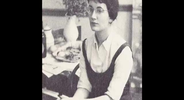 Fay Jones  – Artist Profile.